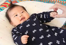 赤ちゃんの機嫌がいい時か、寝静まっている時に作業を開始します。